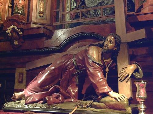 CRISTO CAÍDO CON LA CRUZ A CUESTAS (1698), en la Iglesia de San Ginés de Madrid (España). Esculpido por el italiano Nicola Fumo (c.1645-1725).