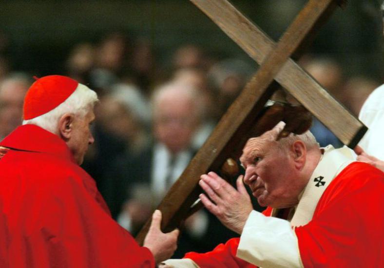 via-crucis-en-el-coliseo-viernes-santo-de-2004